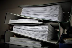 Auch die anwaltliche Berufsausübung ist erheblicher Bürokratie unterworfen.